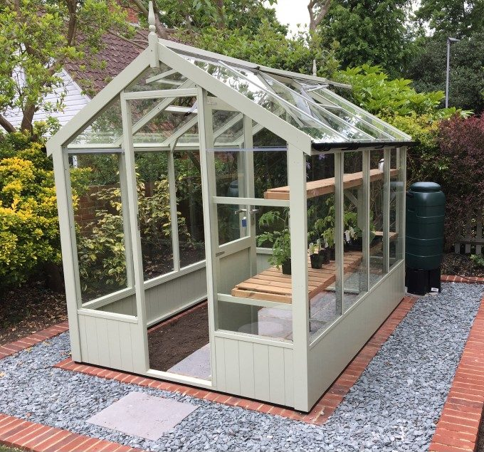 Swallow Kingfisher Greenhouse 6'8 x 8'4 in Vert de terre