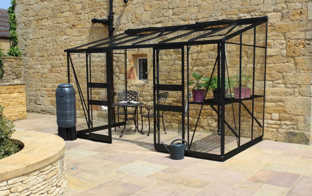Eden Broadway 126 greenhouse in black