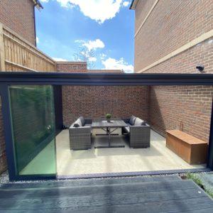 deponti-veranda-with-glass-doors